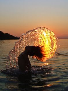 Does anyone else want to reenact this and feel like a mermaid? I'll try it in the shower next. ;)