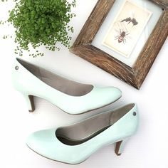WOT Tiffany blue/mint heels Stunning Tiffany blue/mint heels. By Life Stride. NWOT!! Size 9.5. Gorgeous coloring for summer! These cute shoes can go with so many things. In perfect condition! Color most accurate in the stock image. Life Stride Shoes Heels