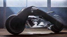 創業100周年を迎えるBMWが、次の100年をにらんで技術のビジョンを披露する「VISION NEXT 100」において、新たに倒れないバイク「Motorrad VISION NEXT 100」を