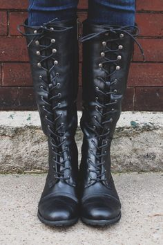 Black Lace Up Round Toe Military Boots Outlaw-13 – UOIOnline.com: Women's Clothing Boutique