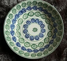 The National Trust Large Dish (Discontinued)