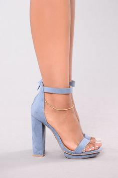 Simply Chic Heel - Dust Blue Researchers express we all carry usually methods a Fancy Shoes, Pretty Shoes, Blue Shoes, Me Too Shoes, Blue Heels Outfit, Baby Blue Heels, Bridal Shoes, Wedding Shoes, Blue Wedding Heels
