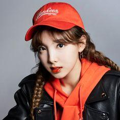 Twice - Nayeon South Korean Girls, Korean Girl Groups, Twice Photoshoot, Nayeon Twice, Im Nayeon, Brown Eyed Girls, Dahyun, Most Beautiful Faces, Recent Events