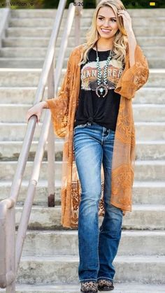 Love T shirt and lace cardigan! Love T shirt and lace cardigan! Rodeo Outfits, Casual Outfits, Cute Outfits, Fashion Outfits, Dress Outfits, Dress Casual, Summer Cowgirl Outfits, Cowgirl Style Outfits, Fashion Styles