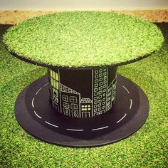 A chalkboard table project made with faux turf out of an old cable reel. Great for kids bedrooms and playrooms