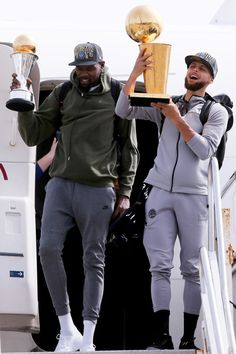 Best Duo in the NBA right now Facts or Foolishness? Cyo Basketball, Basketball Games Online, Basketball Moves, Street Basketball, Basketball Systems, Basketball Tricks, Basketball Uniforms, College Basketball, Basketball Players