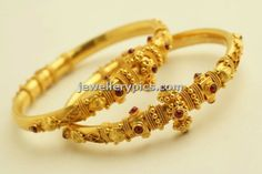 Antique bangle designs by PNG jewellers temple collection Tanishq Jewellery, Temple Jewellery, Diamond Jewellery, Gold Bangles Design, Jewelry Design, Wedding Jewelry, Gold Jewelry, Gold Earrings, Wedding Gold