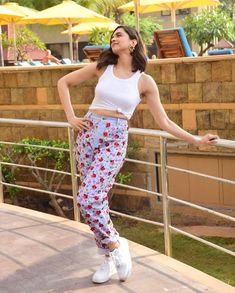 Bollywood's queen Deepika Padukone , who has kept her fans on the edge of excitement Indian Celebrities, Bollywood Celebrities, Bollywood Fashion, Style Casual, Casual Outfits, Cute Outfits, Fashion Outfits, Swag Outfits, Red Pantsuit