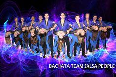 Treten Sie unserer Bachata Choreo Gruppe bei, um Ihren Stil zu verbessern und auch die Möglichkeit, mit unseren professionellen Tänzern aufzutreten. Besuchen Sie uns für weitere Informationen! Salsa, Workshop, Partys, People, Dance, Concert, Group, Dancing, Atelier