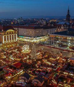 2000 Adventslichter #gewinnspiel #advent #weihnachtsmarkt #city #gewinn #xmas #blume2000 #blume2000.de