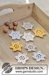 Falling Stars - Hæklede stjerner til jul i DROPS Muskat. - Free pattern by DROPS Design
