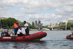 équipe des secours nautiques de la protection civile paris