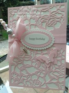 Detailed Floral Thinlits Dies. Stampin Up. Card, co-ordinating box and handcrafted hat pin. http://www.papercraftwithcrafty.co.uk/2016/08/pretty-in-pink-with-co-ordinating.html