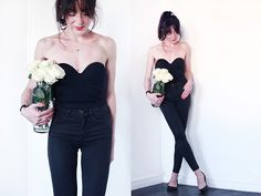 Get this look: http://lb.nu/look/7793998 More looks by Lydia Marceau: http://lb.nu/theblackfeather Items in this look: Wolford Body, Topshop Jeans, Zara Flats #casual #edgy #minimal