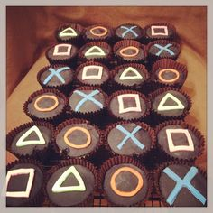 Playstation Cupcake anyone? Hubby's birthday cakes :-) - Playstation - Ideas of . Playstation Cupcake anyone? Hubby's birthday cakes 🙂 – Playstation – Ideas of Playstation Hubby Birthday, 10th Birthday Parties, Birthday Games, Birthday Cupcakes, 16th Birthday Cake For Boys, Birthday Ideas, Xbox Party, Game Truck Party, Playstation Cake