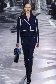Pin for Later: Les 9 Plus Grandes Tendances Sorties de la Fashion Week de Paris  Louis Vuitton