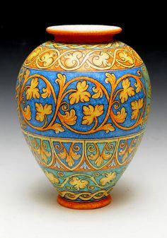 Vaso cm. 35 Per chi desidera vedere la mia produzione può chiedere amicizia su Facebook a Ceramiche d'arte Maurizio Romano