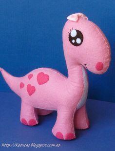 Kosucas: Dinosaur pink felt.