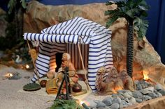 Desierto 2 Fontanini Nativity, Christmas Nativity Scene, Christmas Town, Nativity Crafts, Christmas Crafts, Christmas Decorations, Christmas Manger, Christmas Scenes, Doll House Plans