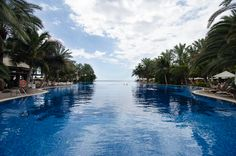 Here Purple Travel showcase the top ten infinity pools in Europe. From rooftop pools in Barcelona to caldera views in Santorini, there's an infinity pool for everyone. Island Holidays, Rooftop Pool, Costa, Canario, Canary Islands, Belleza Natural, Tenerife, Hotels And Resorts, Perfect Place