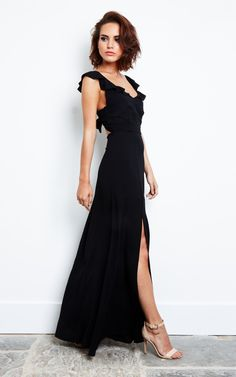 Looking for Dresses? Call off the search with our Black Print Tie Back Maxi Dress. Shop unique fashion at SilkFred Wedding Dress Black, Black Tie Wedding Guests, Black Tie Gown, Greek Wedding Dresses, Black Tie Attire, Wedding Guest Gowns, Fall Wedding, Wedding Dress Necklines, Chiffon