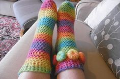 SUZ TUBE SOX free #crochet PATTERN | Susan Pinner