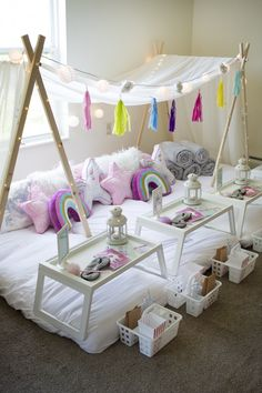 Birthday Sleepover Ideas, Sleepover Room, Teenage Sleepover Ideas, Slumber Party Decorations, Slumber Parties, Kids Spa Party, Pamper Party, Kids Canopy, Canopy Tent