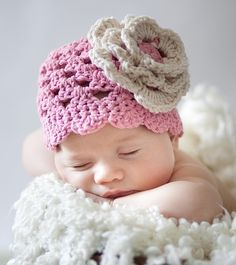 Not a pattern, hat for sale but so darn cute, had to pin!!  Love the big giant flower!!
