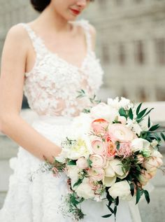 Wedding Bouquets : Picture Description Ivory, blush and peach wedding bouquet: Photography : Melanie Nedelko Photography Read More on SMP: Rose Wedding, Floral Wedding, Dream Wedding, Bouquet Photography, Wedding Photography, Strictly Weddings, Bridal Musings, Bride Bouquets, Bridal Flowers