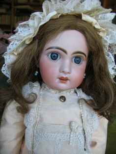 Jumeau with sleep paperweight eyes no 10 23 inches or 58 cm. from dollcabinet on Ruby Lane