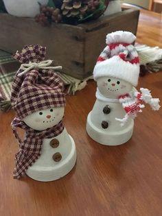 Snowmen made from mini clay pots – clay Mini pots Snowmen souvenir Diy Christmas Decorations For Home, Christmas Crafts For Kids, Snowman Crafts, Holiday Crafts, Christmas Projects, Handmade Decorations, Spring Crafts, Christmas Clay, Cheap Christmas