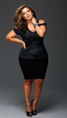 Fluvia Lacerda: proof you don't have to be little to rock a little black dress. Fashion from Curvation. #ShapeofBeauty