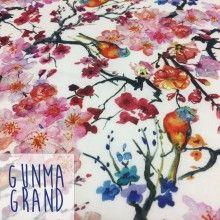 Tissu de coton japonais Gunma GRAND : jardin japonais, oiseaux et fleurs de cerisier