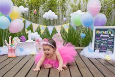 Smash the cake Easter Birthday Party, 1st Birthday Cake Smash, 1st Birthday Girls, Birthday Parties, Cloud Decoration, Pastel Clouds, Baby Event, First Birthday Pictures, Cake Smash Photos
