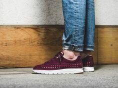 new arrivals 7230d ff4b0 Sneakers femme - Nike Mayfly woven bordeaux (©43einlhab) Chaussure,  Ephemeroptera, Nike