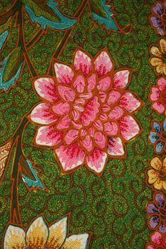 Flower from Java Hokokai Batik. Love the pattern and details of this batik. Prossesing by handrawn. Indonesian batik