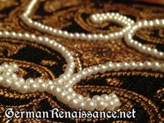 Excellent tutorial from GermanRenaissance.net on how to apply pearls and beads in smooth lines!