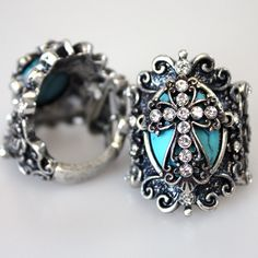 turquoise cross ring, Im usually not crazy about this loud of an accessory but I like this one