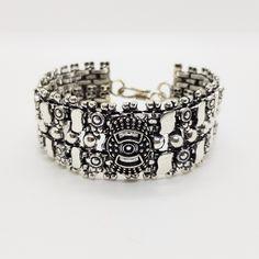 """Versilbertes Armband """"Kanoa""""  Breite ca. 27 mm  Länge ca. 20 cm  Hakenverschluss  Unisex  #JOY #Einzelstücke #Armband #Armschmuck #versilbert #schmuck #bracelet #silverplated #jewelry #jewellery #bijoux #unisex #unisexe #Einzelstück #pieceunique #Geschenk #Geschenkidee #gift #cadeau #vatertagsgeschenk #Muttertagsgeschenk #valentinstagsgeschenk #Geburtstagsgeschenk #Hochzeitstag #Weihnachten #freudeschenken #fashion #style #love #außergewöhnlich #sehenswert #mensfashion #schmuckliebe… Fathers Day, Cuff Bracelets, Gift Ideas, Gifts, Jewelry, Unisex, Man Jewelry, Bangle Bracelet, Marriage Anniversary"""