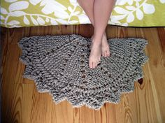 this would be a really quick and easy project. i'd use a sturdy acrylic yarn so it can be machine washed.