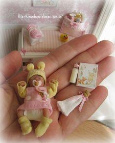 My World in Pink Miniature Dollhouse Baby - Baby Clothes Crafts , My World in Pink Miniature Dollhouse Baby My World in Pink Miniature Dollhouse Baby kleine puppen. Barbie Kids, Baby Barbie, Barbie Dolls Diy, Barbie Doll House, Diy Doll, Silikon Baby, Silicone Baby Dolls, Reborn Silicone, Barbie Happy Family