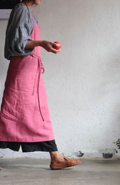 Artisan Full Apron (Deep Rose) - New Kinfolk Style, Linen Apron, Apron Dress, Dressmaking, New Outfits, Bunt, What To Wear, Style Me, Textiles
