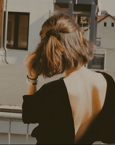 Messy Hairstyles, Pretty Hairstyles, Cut Her Hair, Hair Cuts, Hair Day, New Hair, Hair Inspo, Hair Inspiration, Clavicut