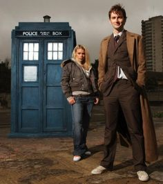 images of tardis the 10th dr | The TARDIS with the Tenth Doctor and his companion, Rose Tyler ...