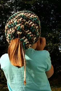 The Best Free Crochet Ponytail Hat Patterns (aka Messy Bun Beanies) – This Season's Fave Gift! - For more on this popular trend (and a few knit patterns), see also Popular Ponytail Hats and M - Crochet For Kids, Free Crochet, Crochet Hats, Crochet Ideas, Crochet Projects, Crochet Clothes, Craft Projects, Craft Ideas, Crochet Patterns For Beginners