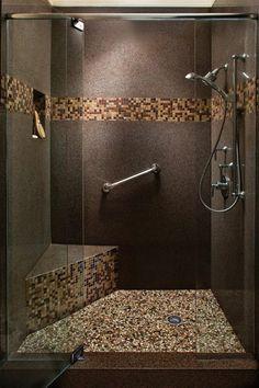Walk In Duschkabine Mit Vielseitige Fliesengestaltung Bad In Brauner Farbe