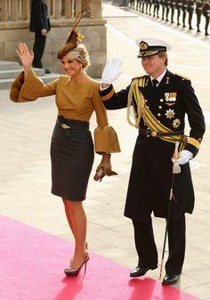 Queen Beatrix, Prince Willem Alexander and Princess Máxima represented the Dutch Royal Family at this event. Royal Fashion, Look Fashion, Fashion Outfits, Womens Fashion, Princess Stephanie, Princess Mary, Queen Of Netherlands, Royal Dutch, Estilo Real
