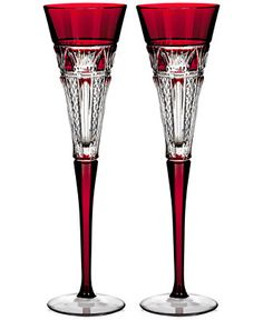 Waterford 2015 Times Square Red Cased Toasting Flutes - Elegant looking stemware. Crystal Glassware, Waterford Crystal, Waterford Glasses, Toasting Flutes, Champagne Flutes, Crystal Champagne, Cut Glass, Glass Art, Cristal Art