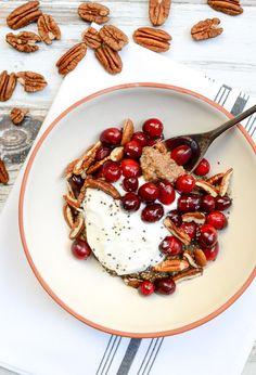 Cranberry-Pecan Spiced Quinoa Breakfast Bowls | www.theeverykitchen.com