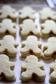 Merry Christmas | www.myLusciousLife.com - Food idea for kids' christmas party.